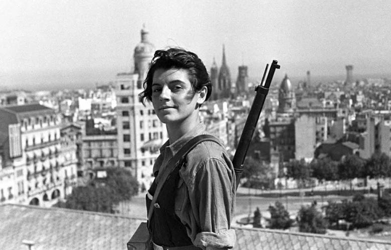 Angehörige der republikanischen Bürgerwehr auf der Terrasse des Hotel Colon in Barcelona im Juli 1936.